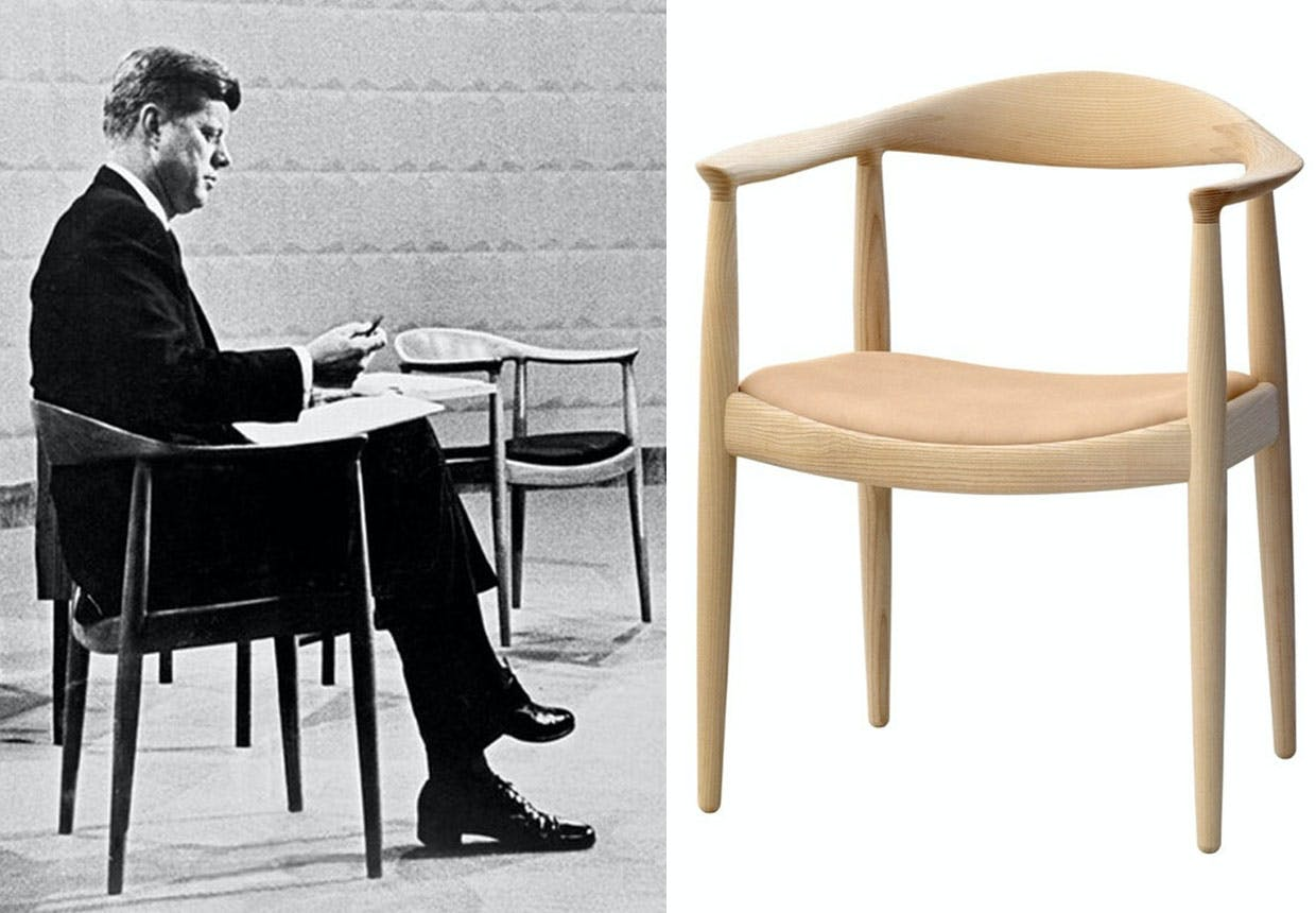 "Robert F. Kennedy på Hans J. Wegners pp503, ""The Chair""."