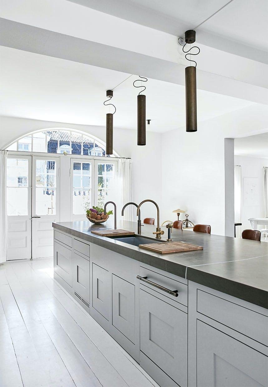 Køkkenø med ekstra bordplads