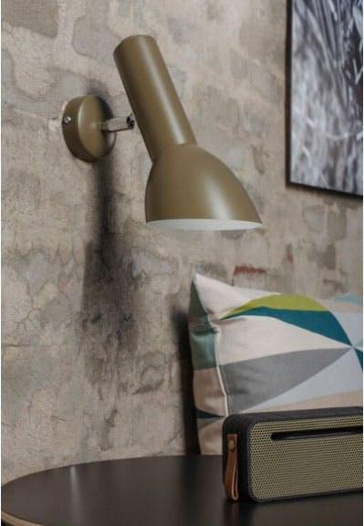 Smuk olivengrøn væglampe
