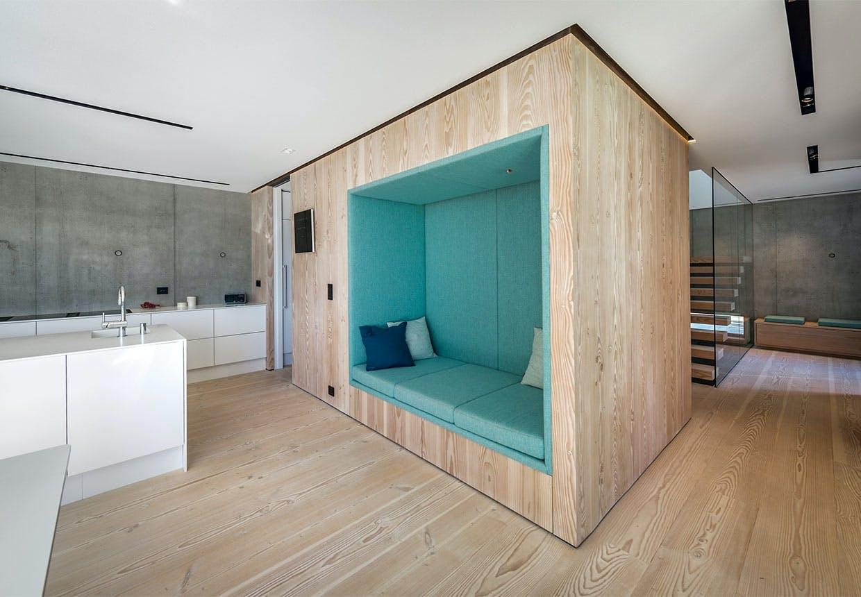 Indbygget sofa i køkkenet