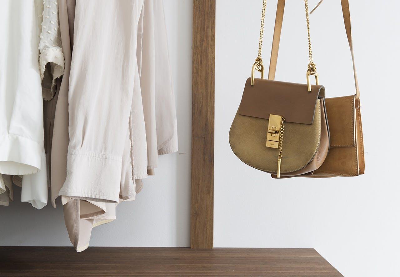 garderobe indretning taske tøj