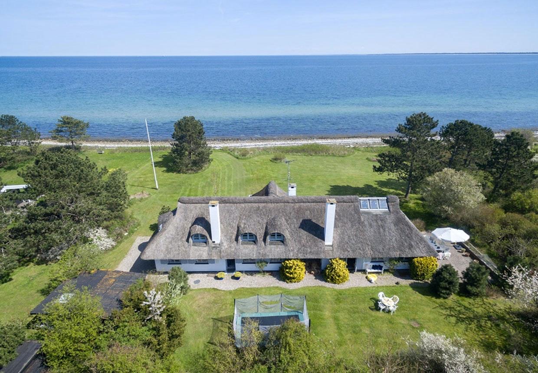 Dirchs Passer sommerhus med havudsigt i Klimt til salg hos Danbolig.