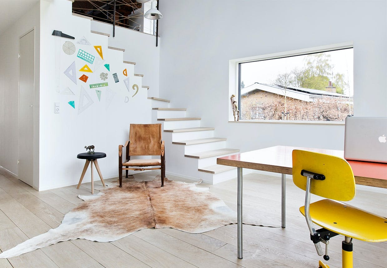 Hjemmekontor med lineal-dekoration