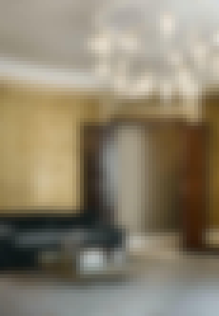 Smukt rum med japansk gyldenlædertapet