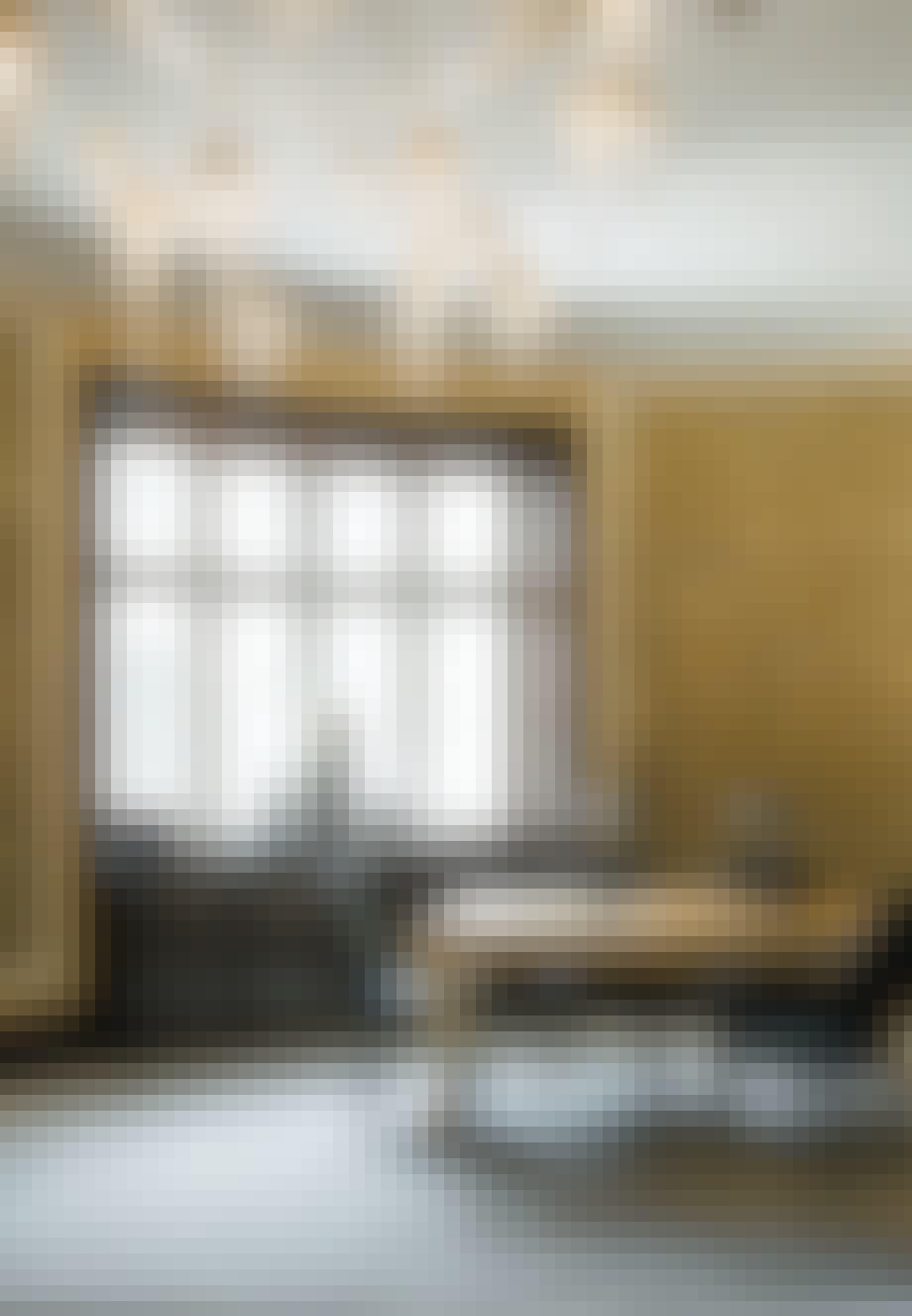 Gyldent rum med smukke detaljer