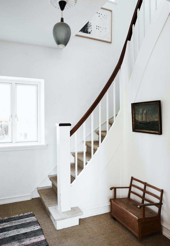 Snoet trappe op til første salen