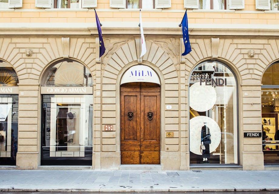 Hotel i to paladser