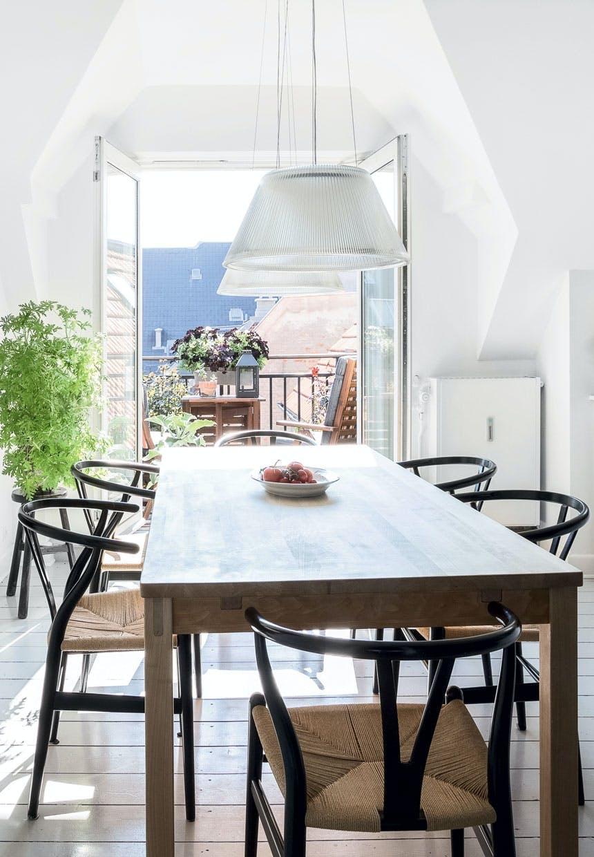 Køkken-alrum med udgang til altanen