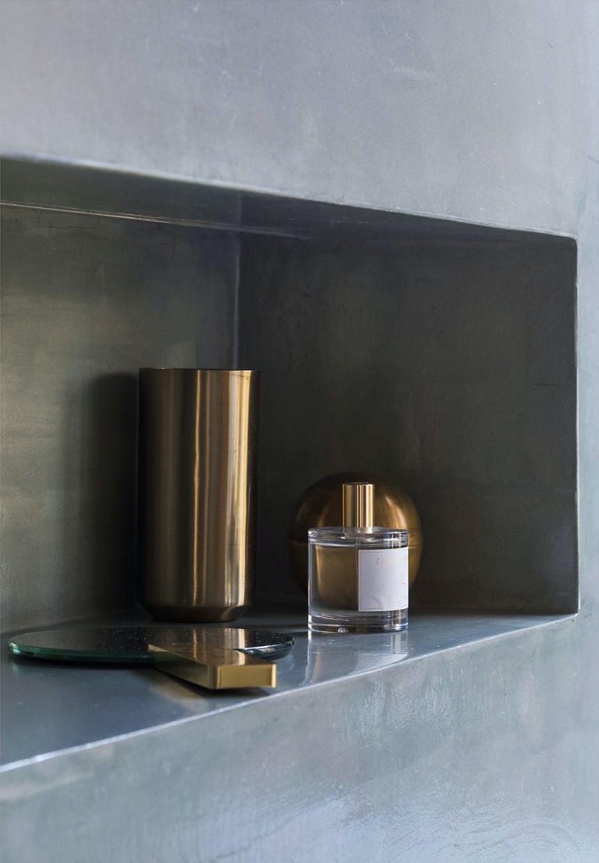 Indbygget niche med indbygget lys på badeværelset
