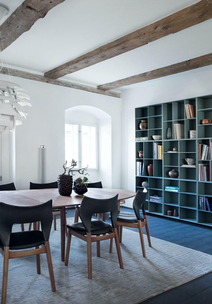 Sorte Axel Salto-vaser på spisebordet