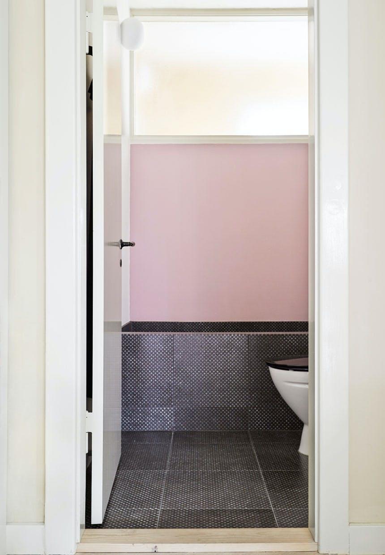 Badeværelse beklædt med eksklusive lavasten