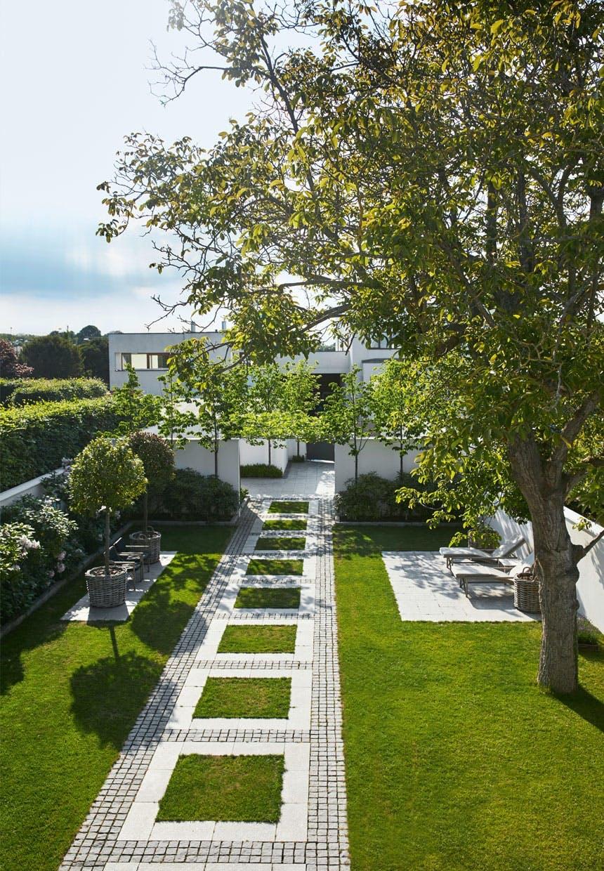 Villa nord for København med en fantastisk have