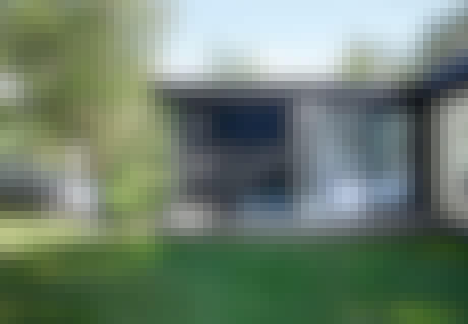 Sommerhus med et visuelt rent udtryk