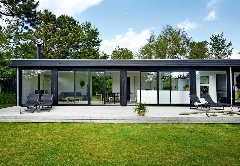 Anette Holmbergs minimalistiske sommerhus i Nordsjælland