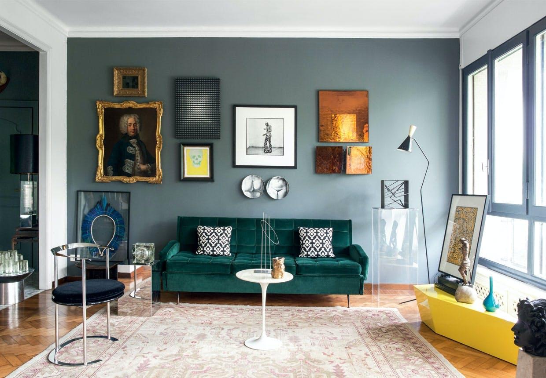 Elegant stue med et historisk twist