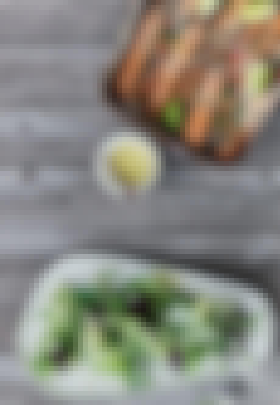 Sommersalat med grillede jomfruhummere og limemayonaise