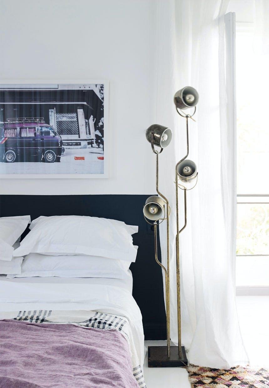 Gæsteværelse med lilla print