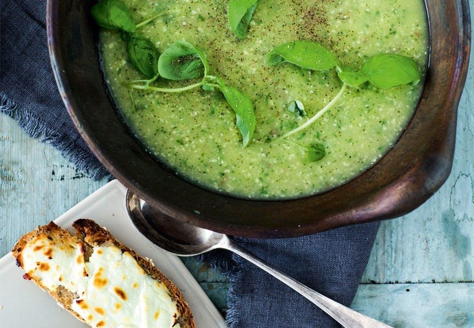 Squashsuppe med gratineret ostebrød