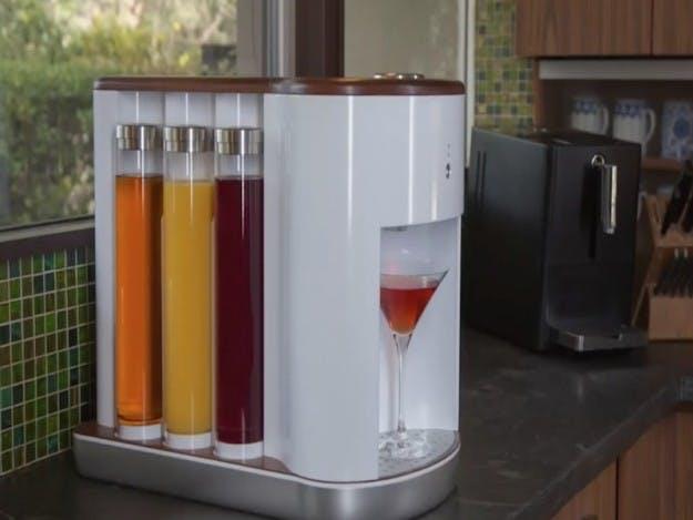 Hjemmebaren, der selv mixer drinks