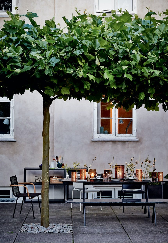 Sommeraftenstemning på terrassen