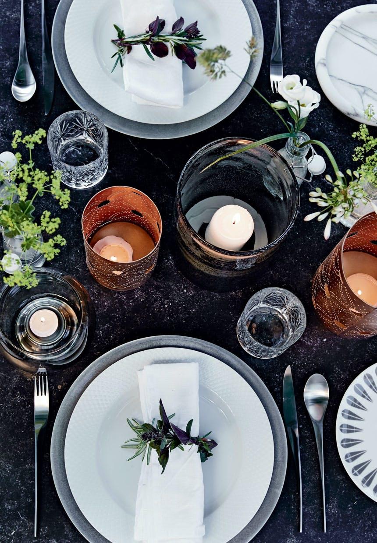 Borddækning med Lyngby Rhombe-tallerkener