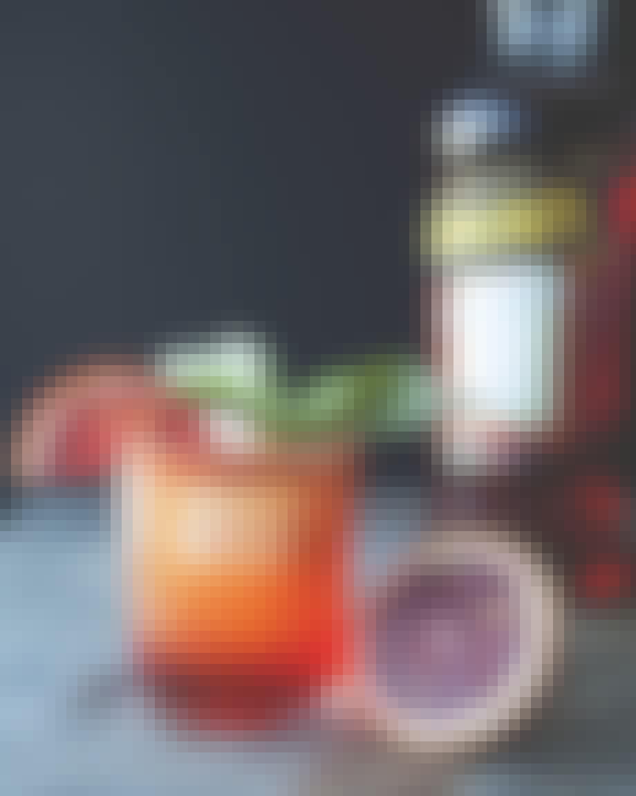 Aperol spritz med basilikum