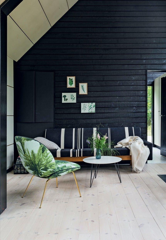 Stue med Beetle-loungestolen fra Gubi