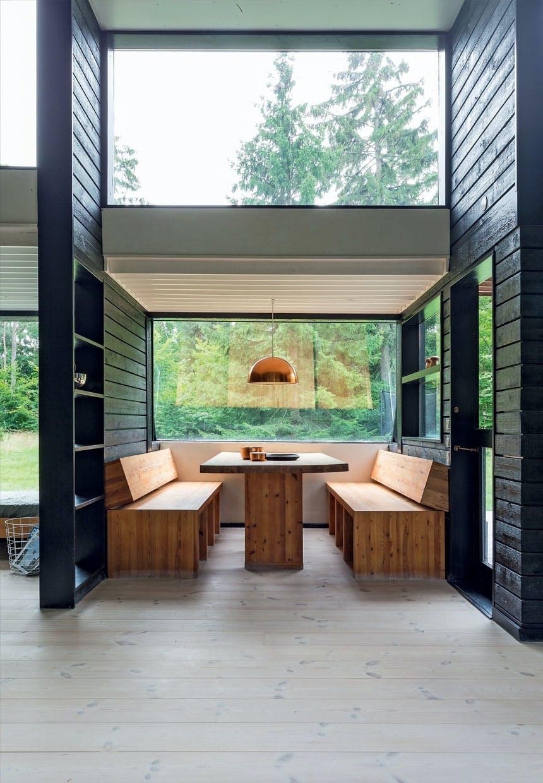 Indbygget spiseplads i fyrretræ