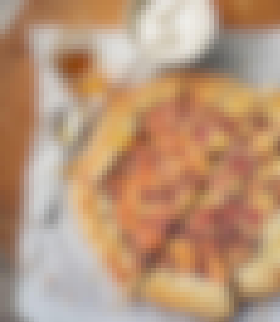 Pizzakage med figner, honning og ricotta