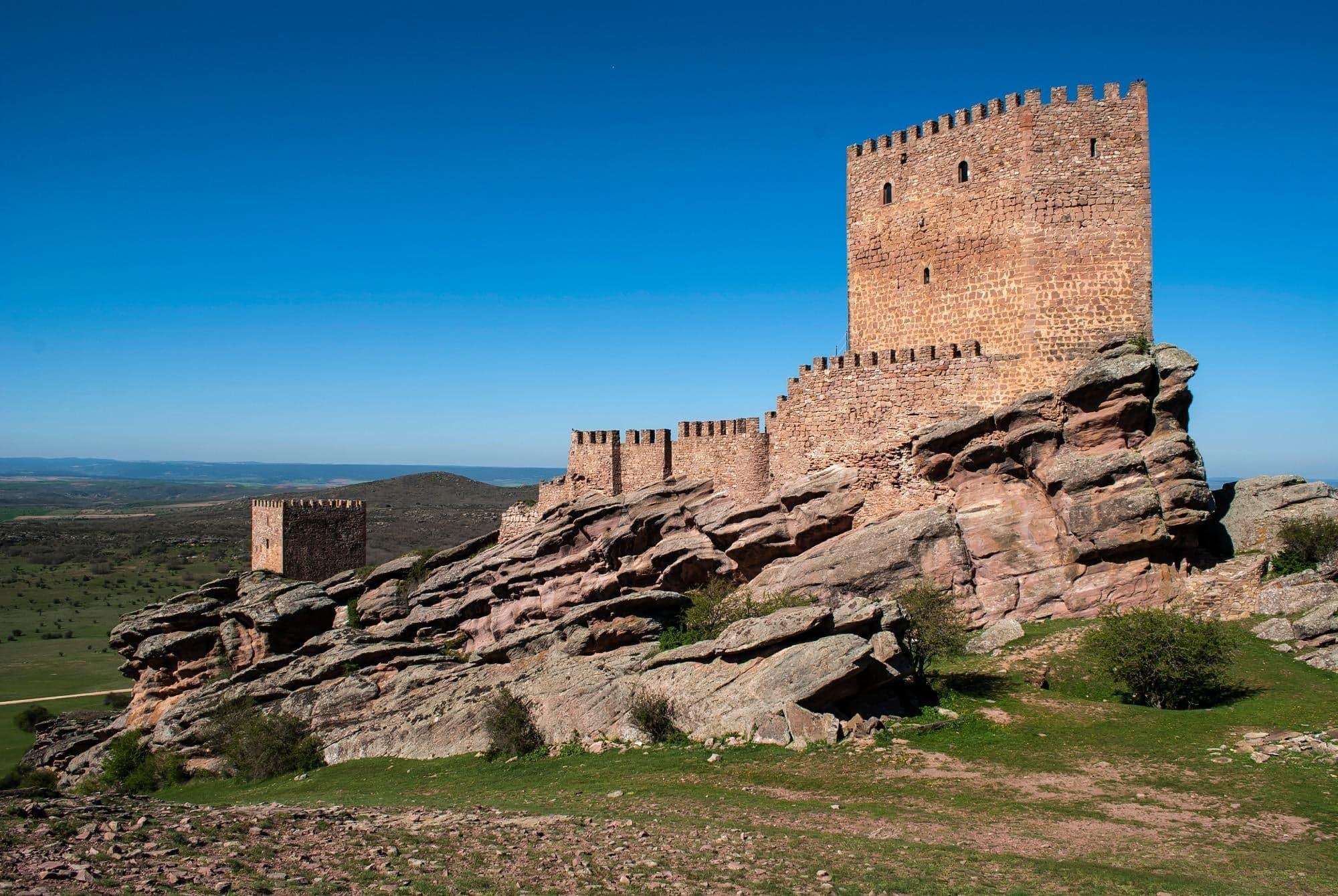 Campillo de Dueñas, Spanien — Tower of Joy