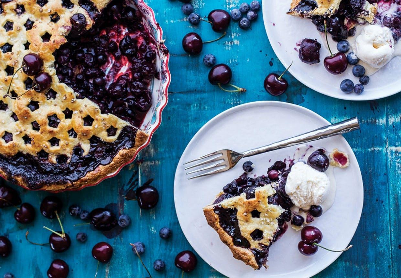 Kirsebærtærter, cheesecakes med kirsebær og kirsebæris