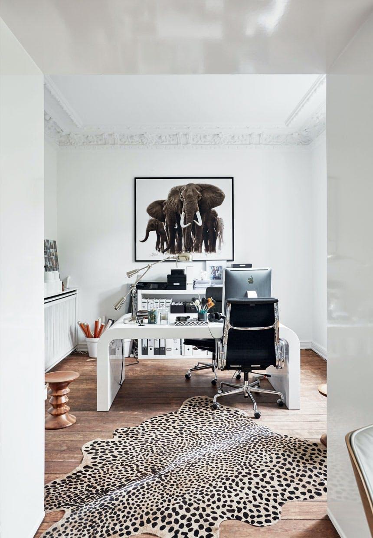 Skønt arbejdsrum i sort-hvide kontraster