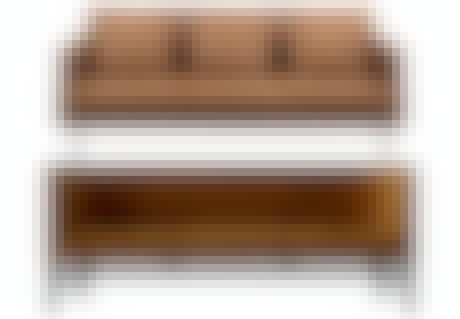 Smuk sofa i okkerfarvet velour