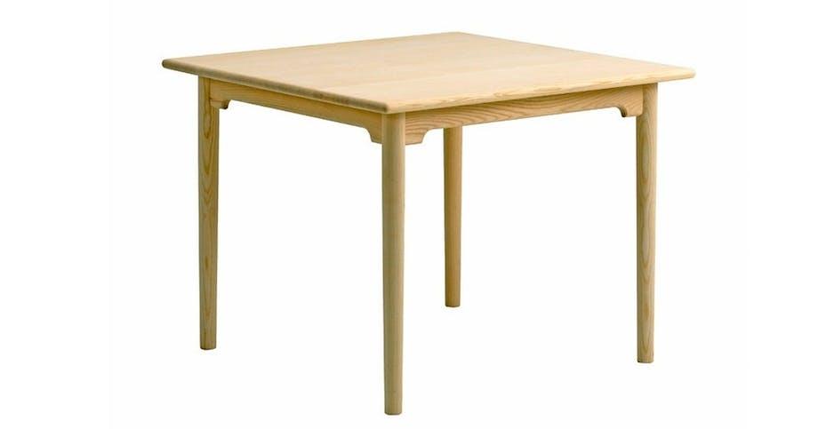 Kvadratisk bord pp80