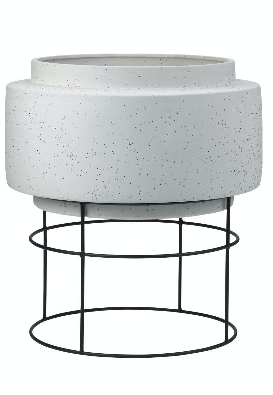 Potteskjuler i keramik og metal