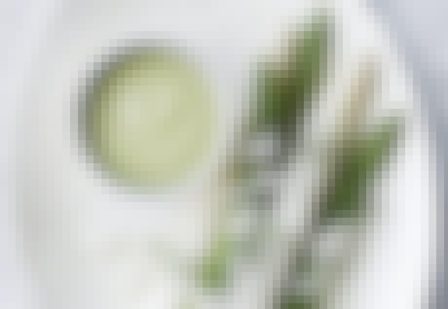 Avocadosuppe og asparges