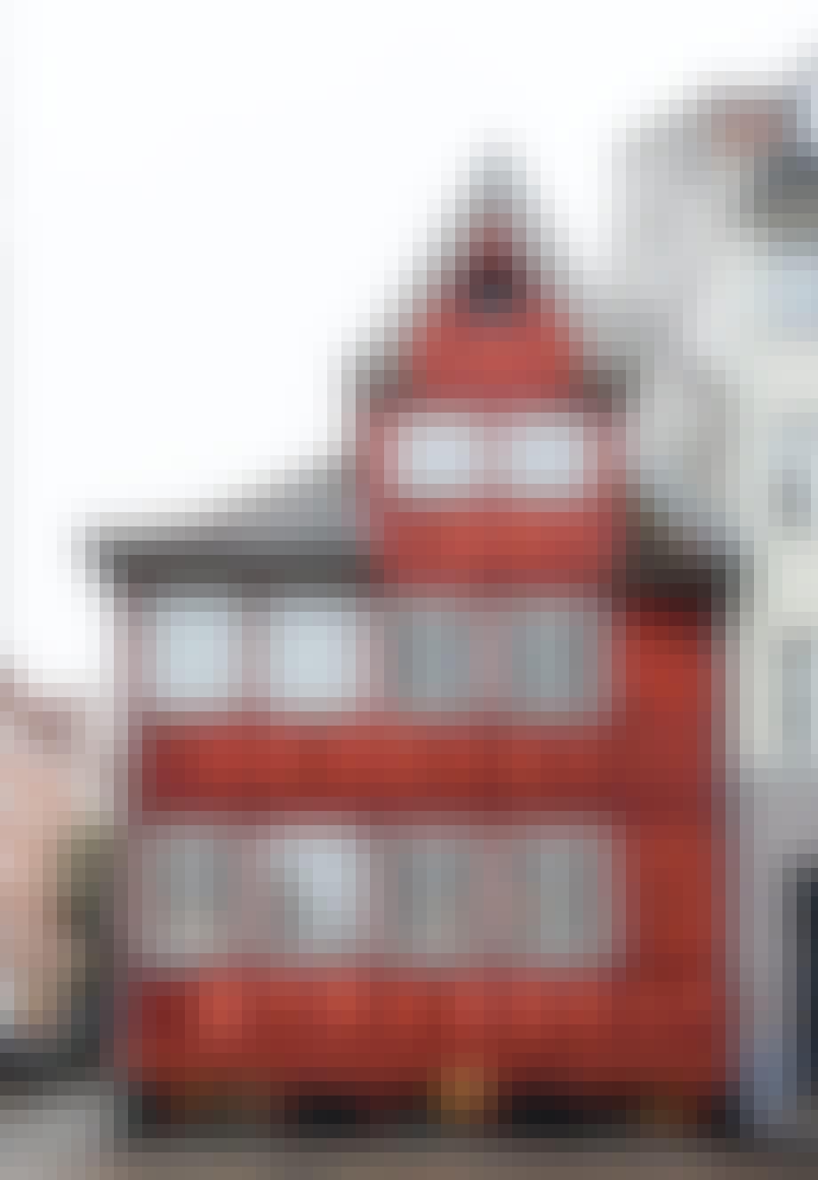 Gammelt rødt bindingsværkshus