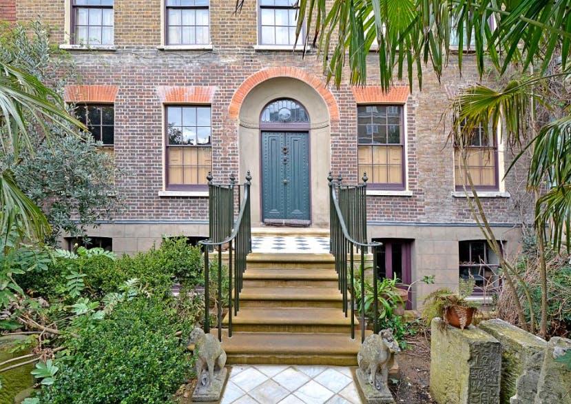 Gemt siden 1895: En af de fineste London-facader
