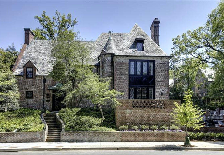 Baracks Tudor-villa