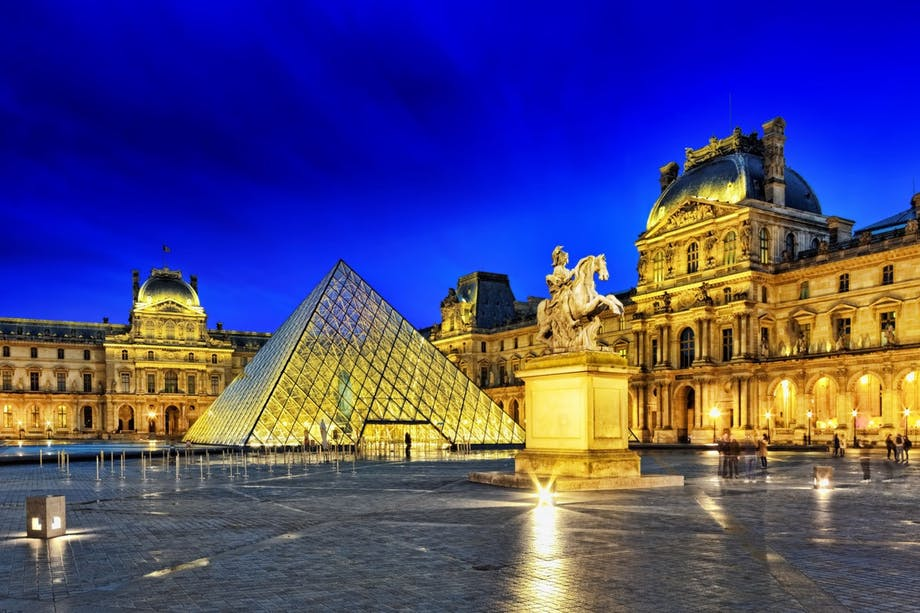 4. Louvre, Paris