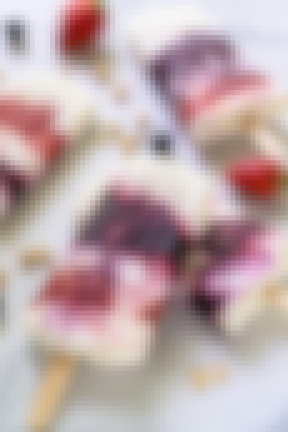 Yoghurt-ispinde med bær