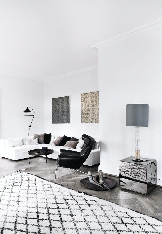 Stue med neddæmpede farver