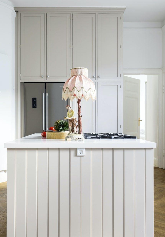 Køkken-ø med perlestaf-beklædning