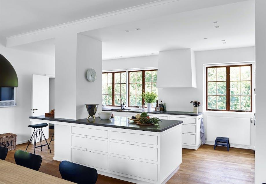 Køkken tegnet af Simonsen og Czechura