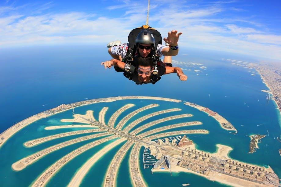 Prøv faldskærmsudspring i Dubai