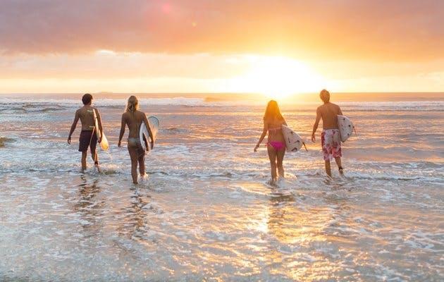 Tag på surf-ferie i Australien