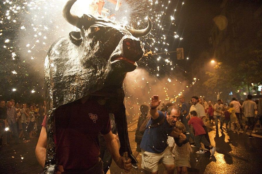 Oplev det festlige tyreløb i Spanien
