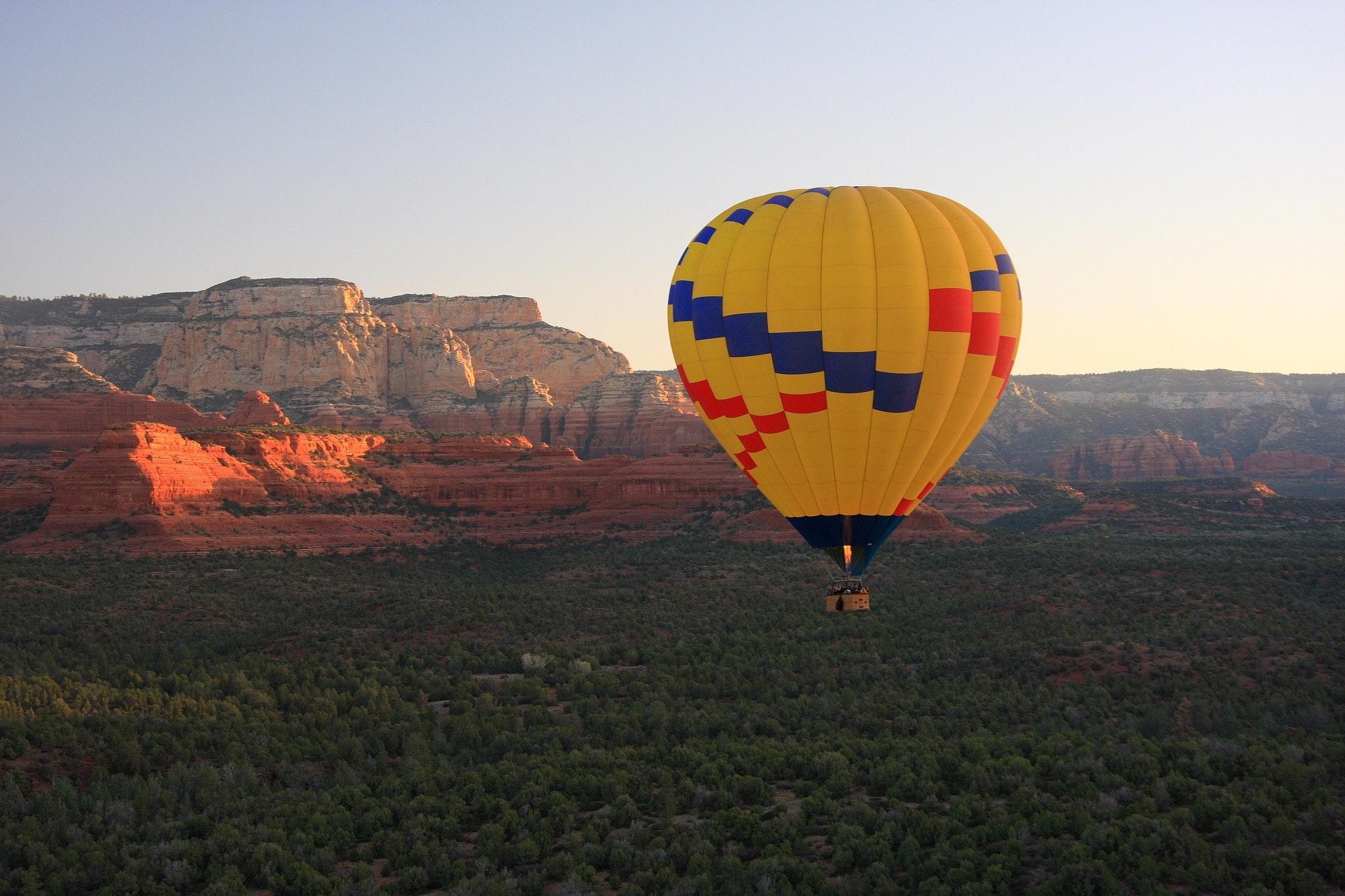Flyvning i luftballon: rejseoplevelser for de virkelig eventyrlystne