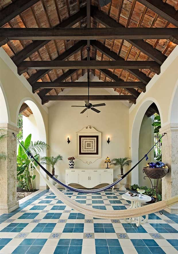 Mexicansk hacienda med antikke franske klinker