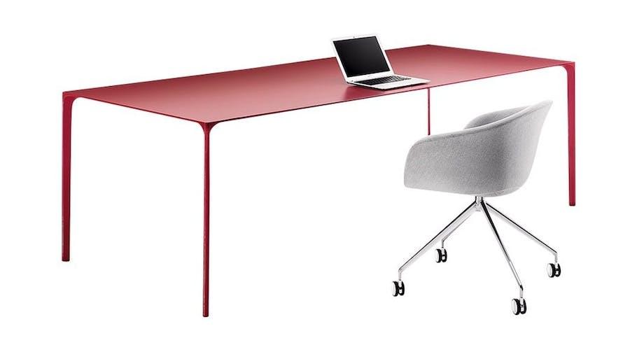 Skrivebord i aluminium